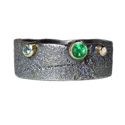 6mm Emerald & Diamonds Bedrock Band