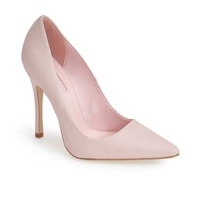 Gallop Pointy Toe Leather Pump