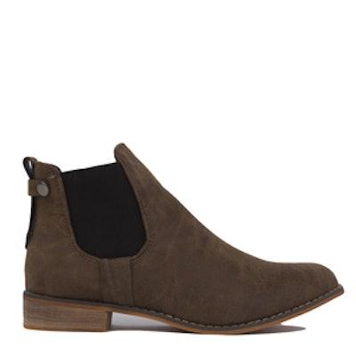 Flat Heel Chelsea Boot