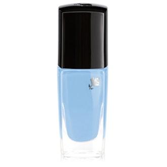 Fade Resistant Nail Polish in Bleu Ciel Parisien