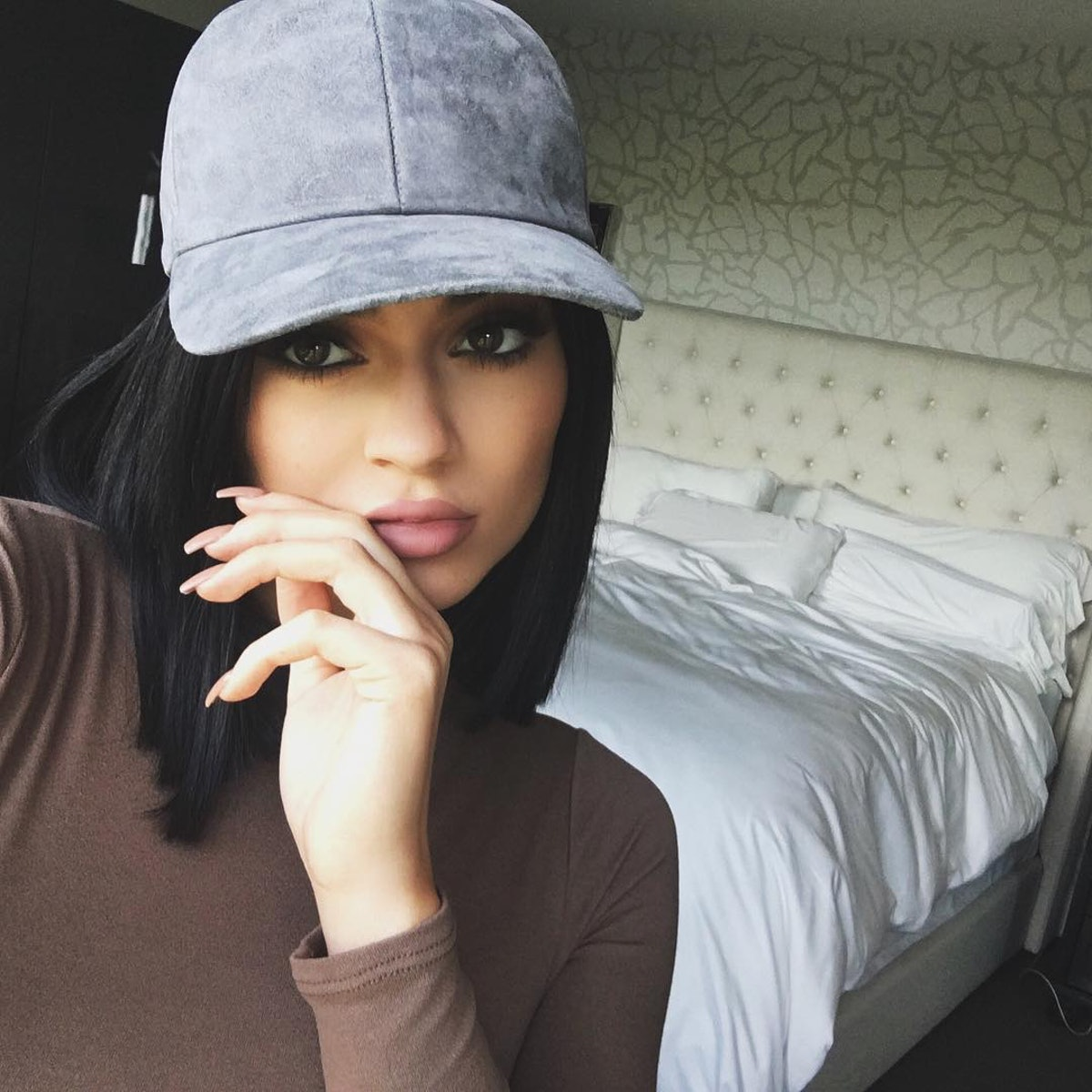 Kylie Jenner Ditches Her Acrylic Nails But The Worst Is Yet To Come