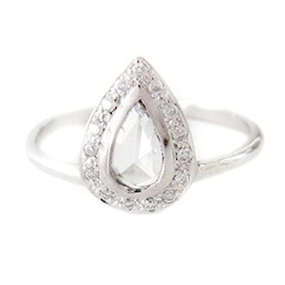 White Gold & Pear Shaped Diamond Ring