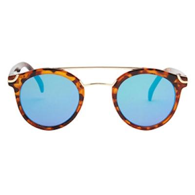 Round Sunglasses With Metal Nose Bridge & Flat Lens
