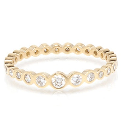 Yellow Gold & Graduated Diamond Ring