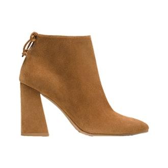 Grandiose Pointy Toe Boot