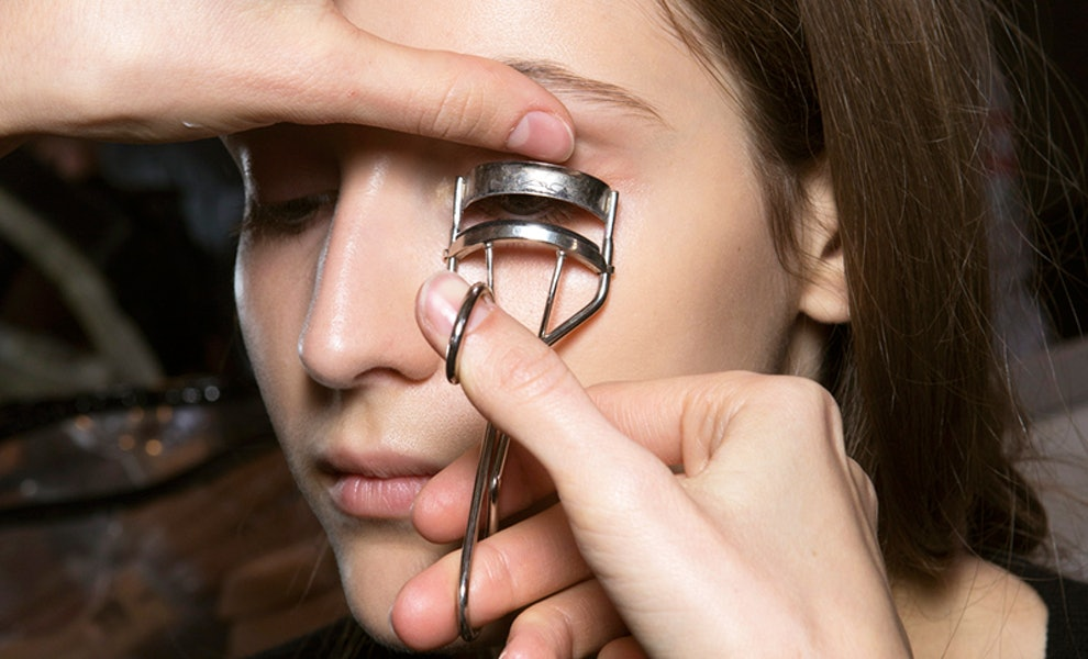 These Are The Internets Favorite Eyelash Curlers Because They Aren