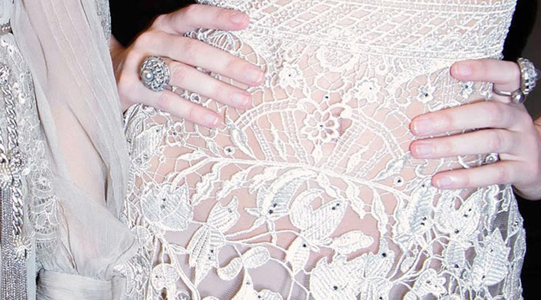 583792e36a44 This Is The Most Popular Wedding Dress On Pinterest