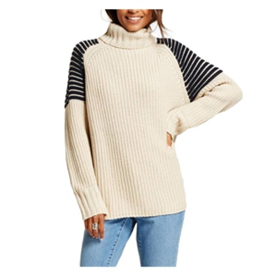 Women's Ribbed Turtleneck Sweater with Striped Shoulders