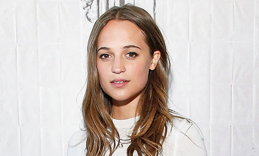 Alicia Vikanders New Haircut Is Perfect For Fall