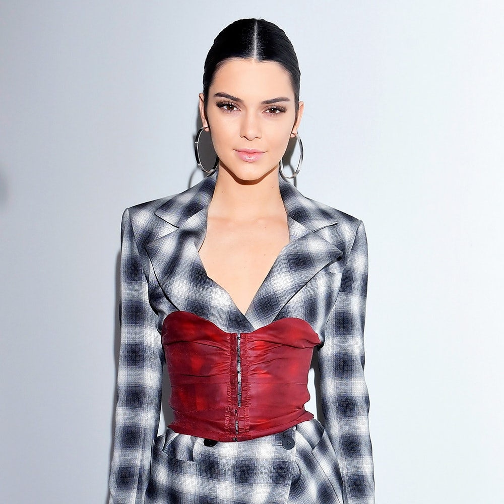 It\u0027s Official Kendall Jenner Is Obsessed With Cutting Her Hair
