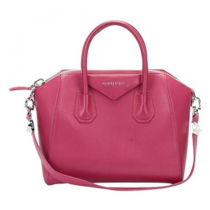 e6e009b196a These Are The Most Popular Handbags Of All Time