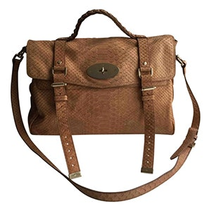 73709f5c5cd These Are The Most Popular Handbags Of All Time