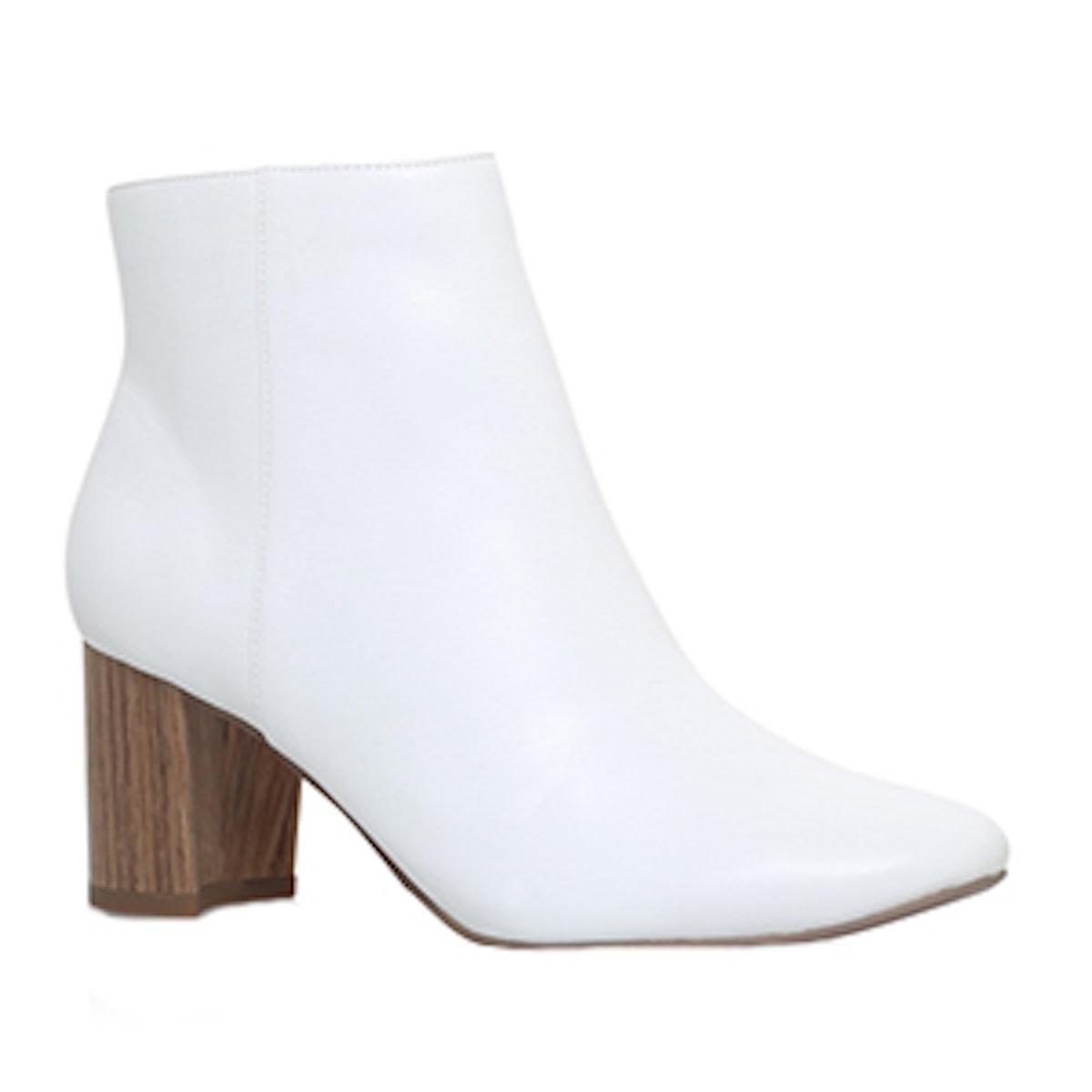 Delia Boot