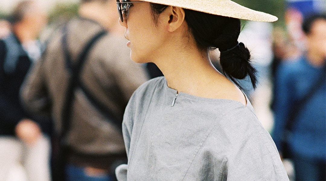 624eb737 3 Easy Ways To Style A Hat Like A Fashion Girl