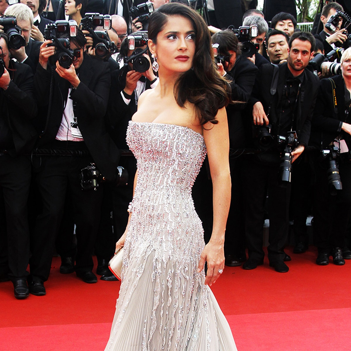 Salma Hayek's Favorite Antiaging Trick Will Cost You Almost Nothing