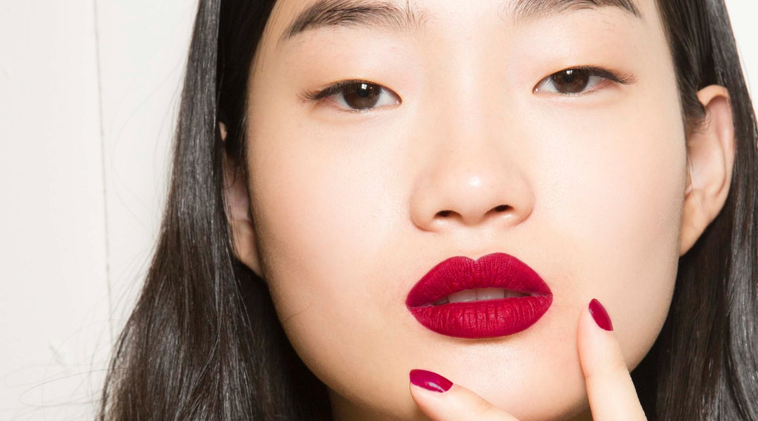 These Are The 5 Most Popular Fall Nail Polish Colors On