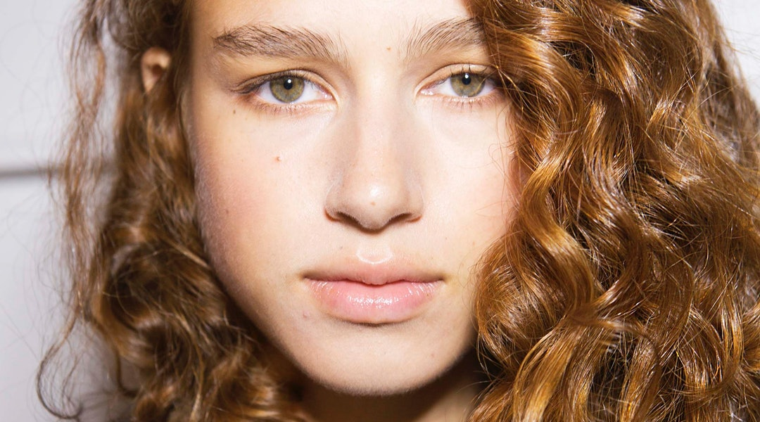 How To Revive Second Day Curls According To Pros