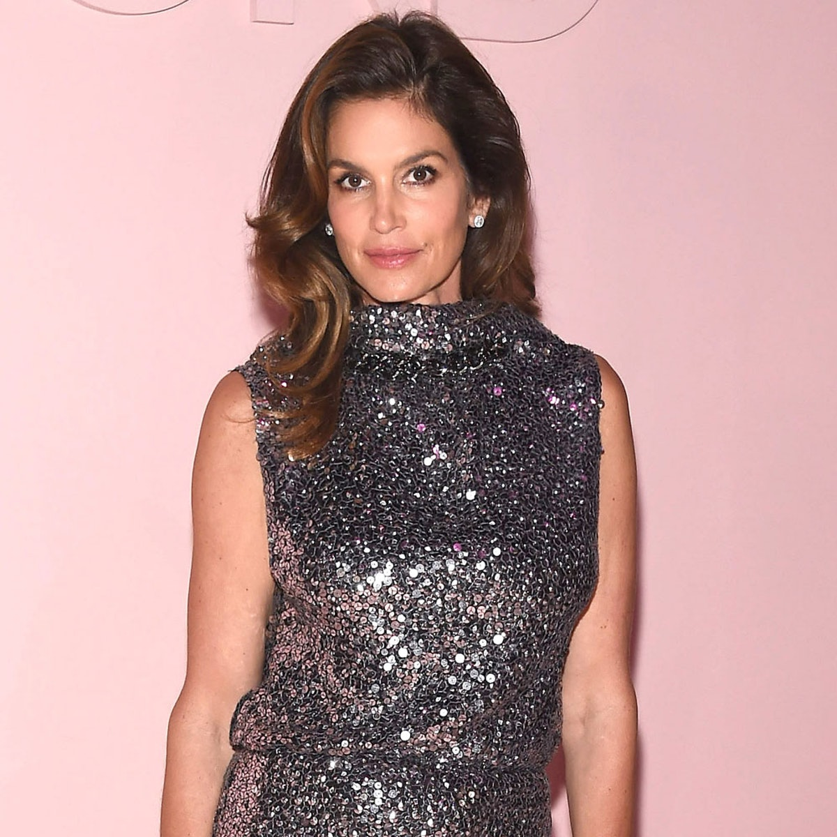 How Cindy Crawford Does Her Makeup In Just 3 Minutes