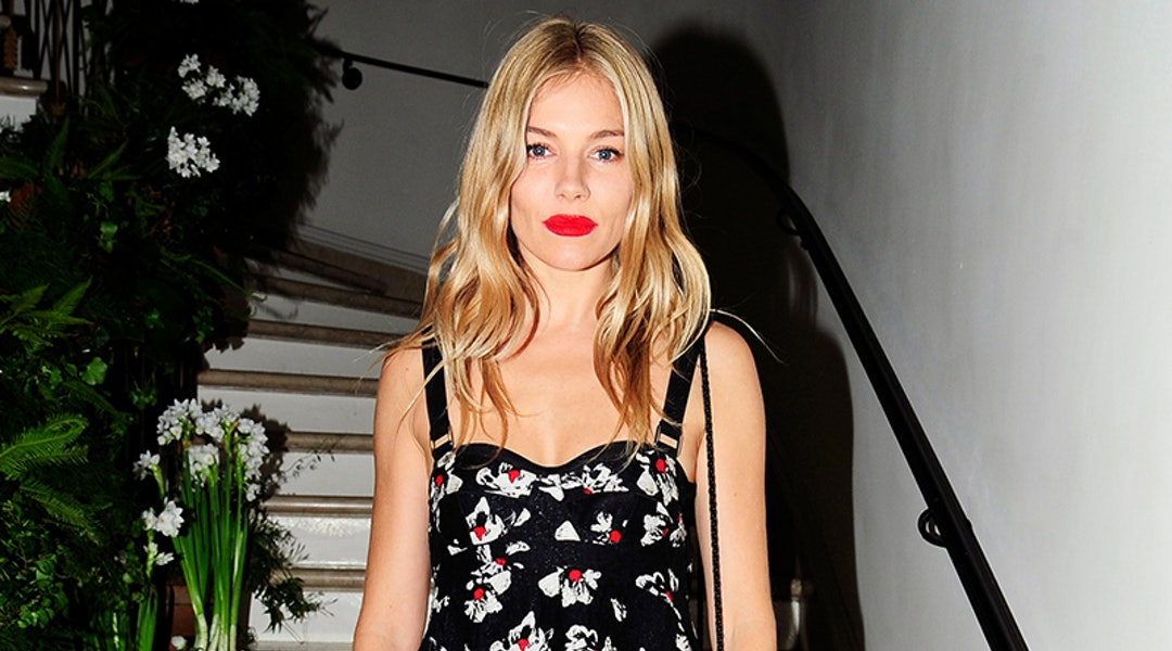 9fc5cbfc7d4 Sienna Miller Proves That Florals Are The Print Du Jour This Season