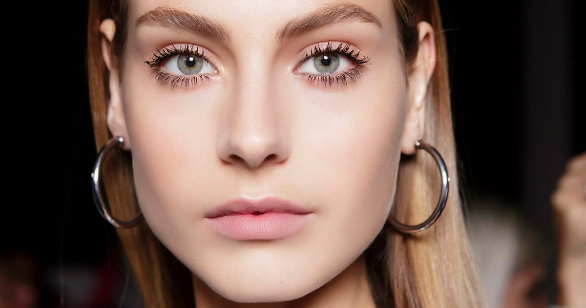 5 Home Remedies For Naturally Longer Lashes