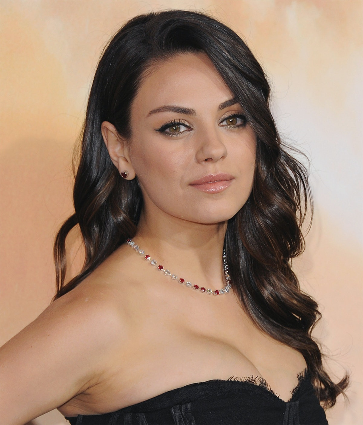 Mila Kunis Got Her Shortest Haircut Ever And We're Obsessed