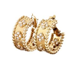 Perlée Clovers Hoop Earrings