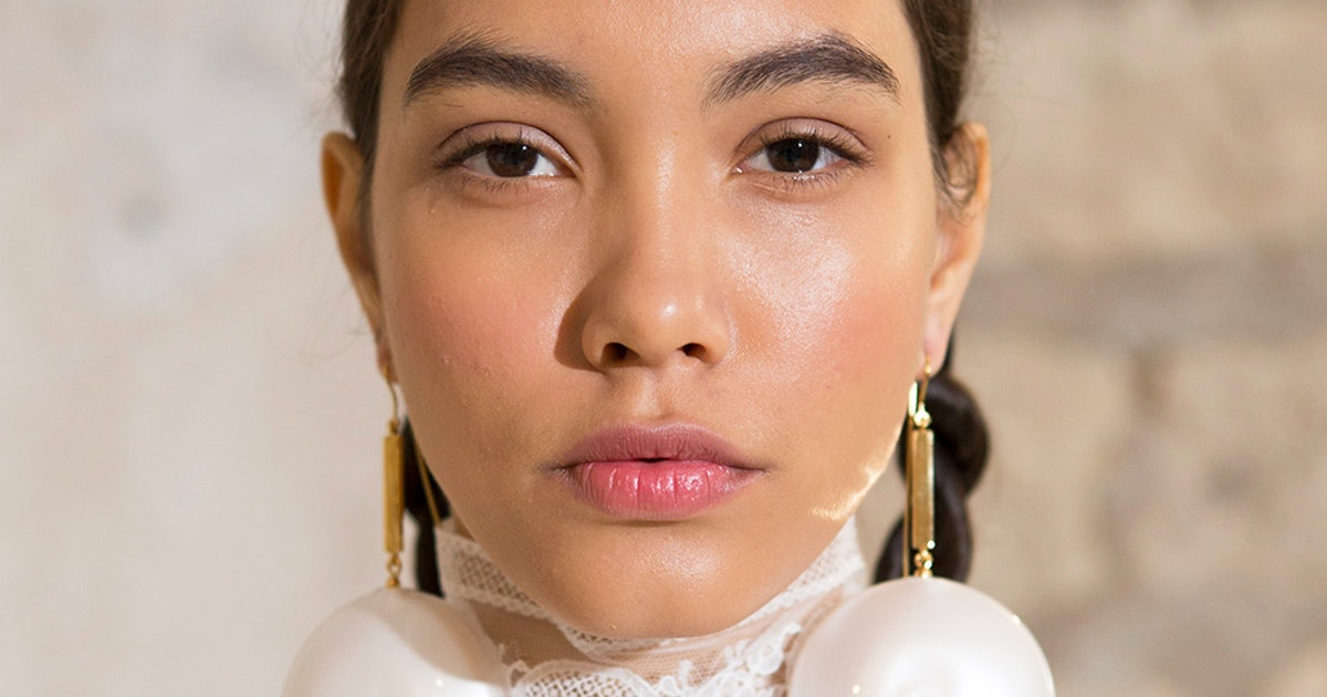 These Peeling Pads Can Repair Your Skin Overnight