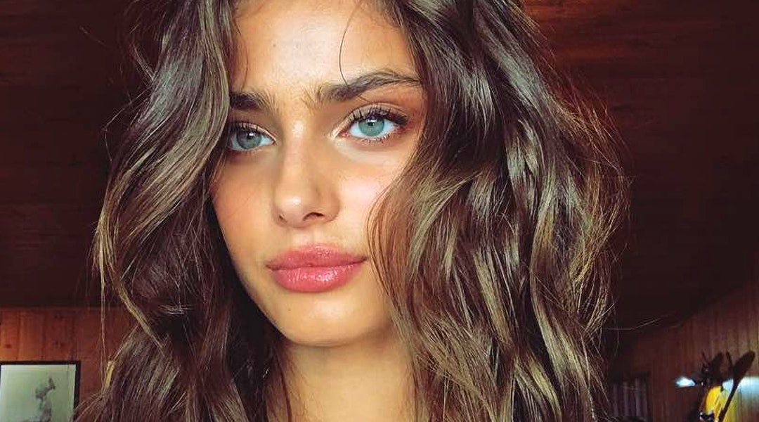 dea4848edfeb Proof That Hailey Baldwin And Taylor Hill Have Flawless Hair
