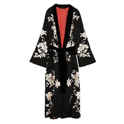 Contrasting Embroidered Kimono