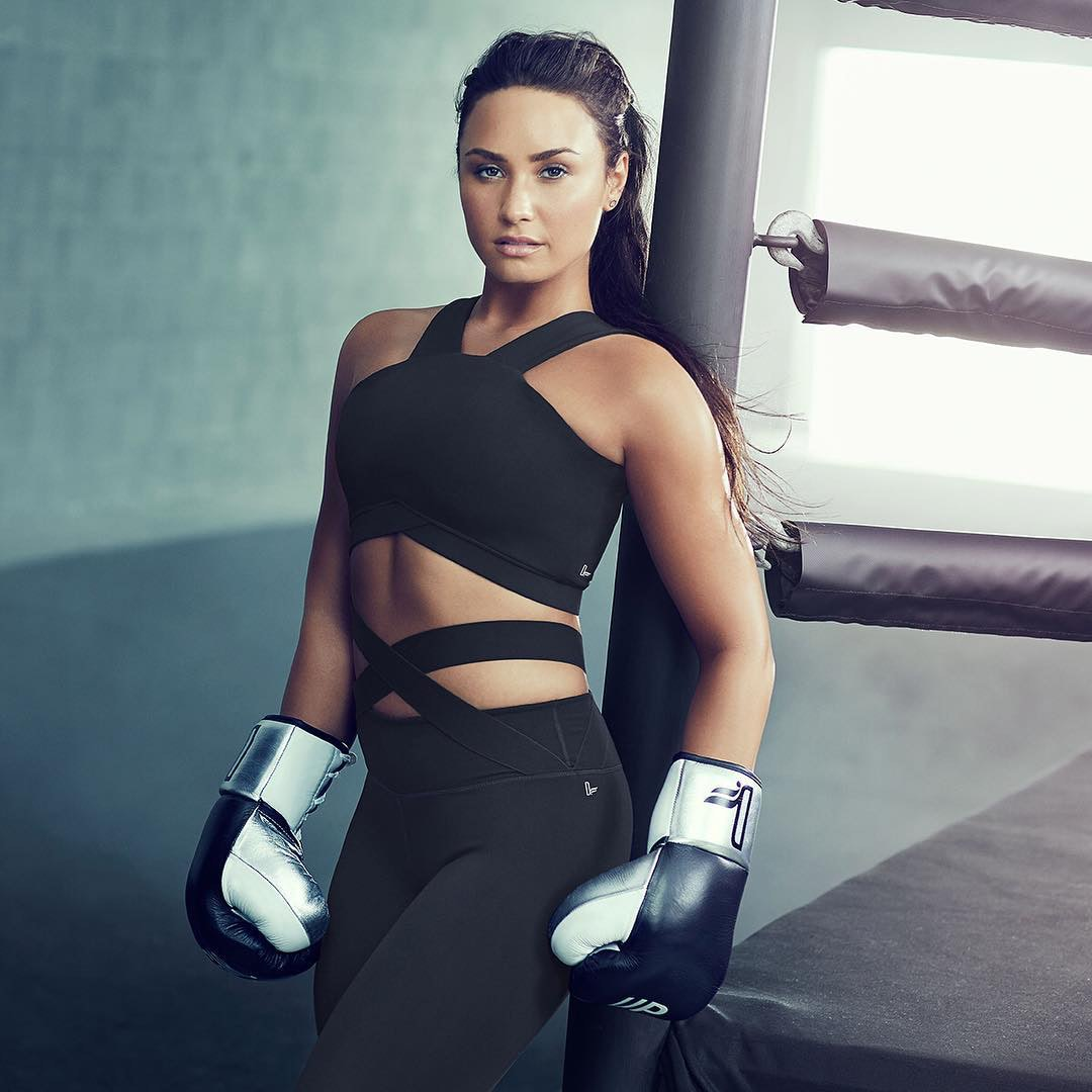 aa114f06f61333 The One Thing Demi Lovato Does Every Day To Boost Her Confidence